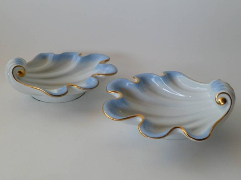 Hand-Painted Pair of Herend Hungary Modern Shell Porcelain Vessels, 1939 For Sale