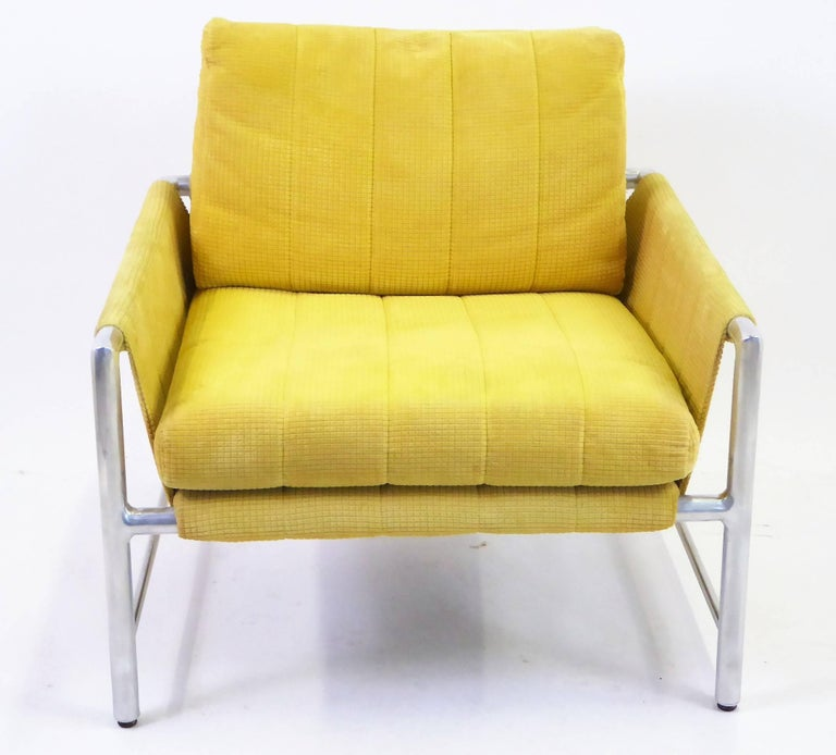 Mid-Century Modern Pair of 1960s Founders Furniture Lounge Chairs in the Style of Harvey Probber For Sale