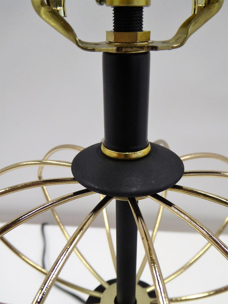 20th Century 1950s Space Atomic Age Table Lamp Brass and Wood For Sale