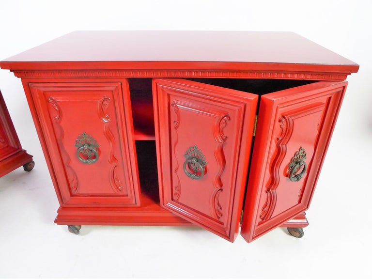 American Hollywood Regency Red Lacquer Bedside Tables by Weiman For Sale