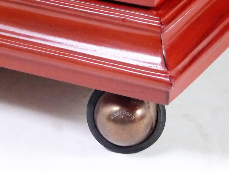 Hollywood Regency Red Lacquer Bedside Tables by Weiman For Sale 4