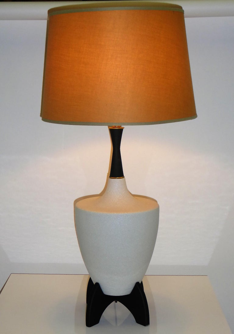Pair of Modern Urn Shape Ceramic Table Lamps with Black Wood Stand and Neck For Sale 4
