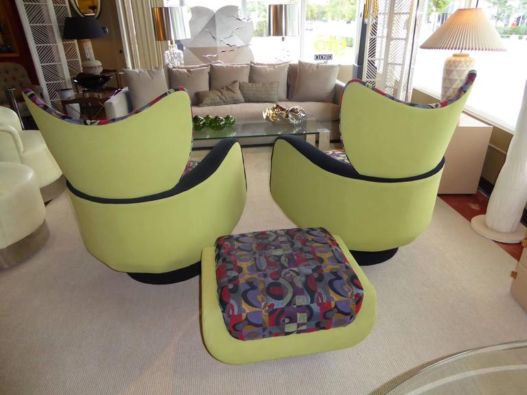 Pair of Vladimir Kagan Lounge Chairs for Directional with Ottoman 3