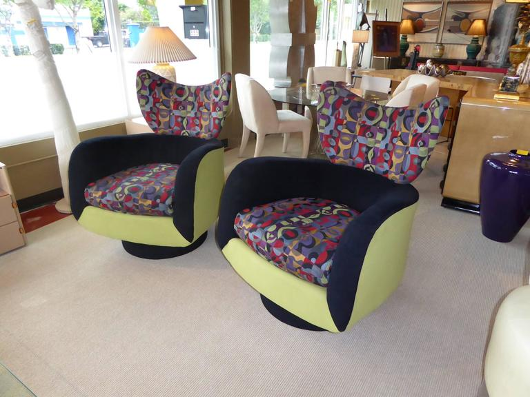 Late 20th Century Pair of Vladimir Kagan Lounge Chairs for Directional with Ottoman For Sale
