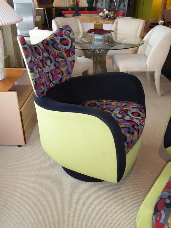 Pair of Vladimir Kagan Lounge Chairs for Directional with Ottoman For Sale 2
