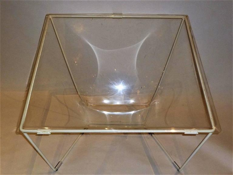"""Contour"" Modern Transparent Acrylic Lounge Chair by David Colwell, 1968 For Sale 1"