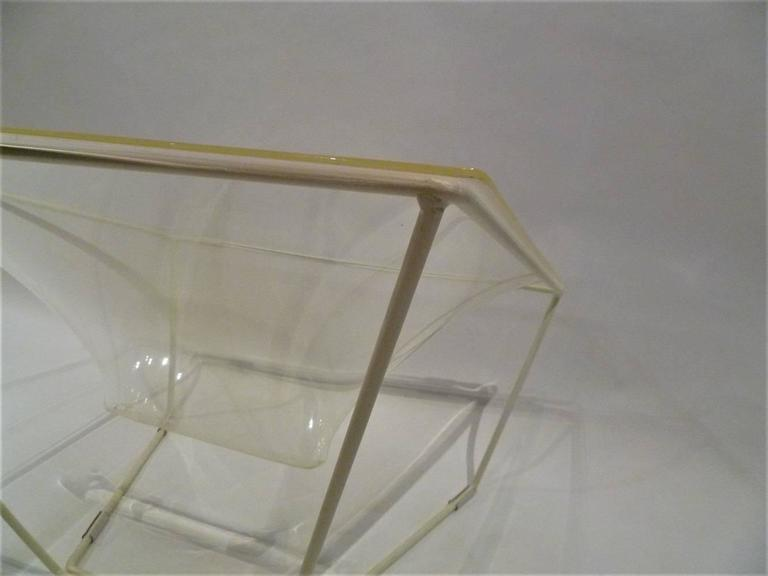 "Molded ""Contour"" Modern Transparent Acrylic Lounge Chair by David Colwell, 1968 For Sale"