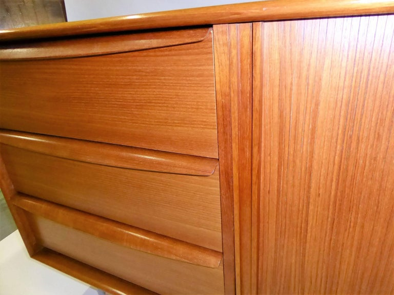 1970s Fine Danish Teak Sideboard Credenza 8