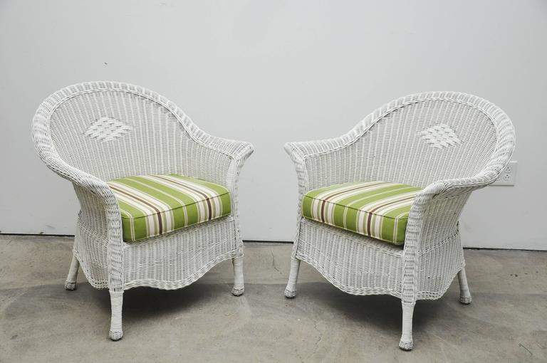 Pair of Wicker Chairs For Sale at 1stdibs