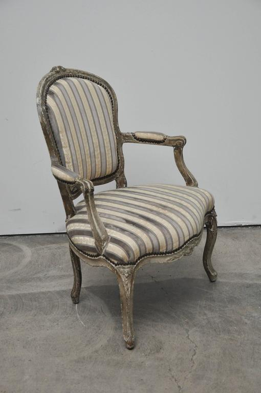 antique french louis xv style chair for sale at 1stdibs. Black Bedroom Furniture Sets. Home Design Ideas
