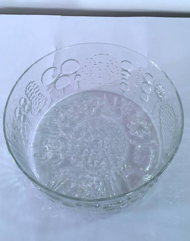 Finnish Large Art Glass Bowl by Oiva Toikka for Iittala, Finland For Sale