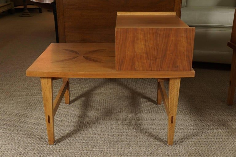 Pair of Stepped End Tables in Maple In Excellent Condition For Sale In Hudson, NY