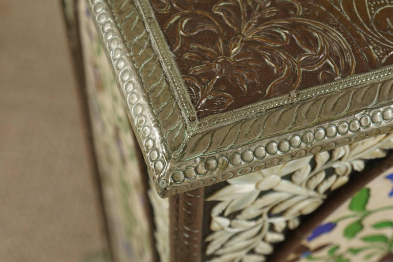 Pair of Pedestals with Glass Flower Medallion  6