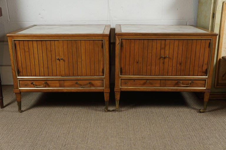 Late 20th Century Pair of End Tables with a Maple Finish and Marble Tops For Sale
