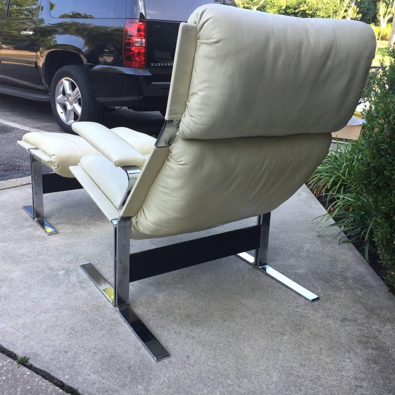 Late 20th Century Saporiti Lounge Chair and Ottoman For Sale