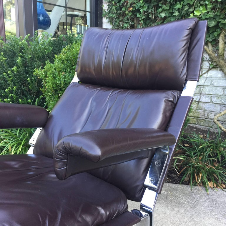 Saporiti Lounge Chair and Ottoman In Excellent Condition For Sale In East Hampton, NY