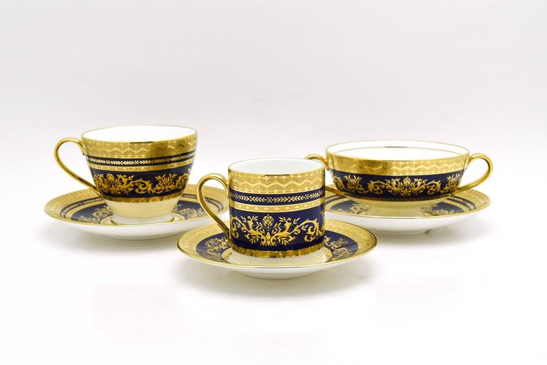 Neoclassical Minton Extensive Pristine Dinner Service Cobalt Blue and Gold 232 Pieces For Sale