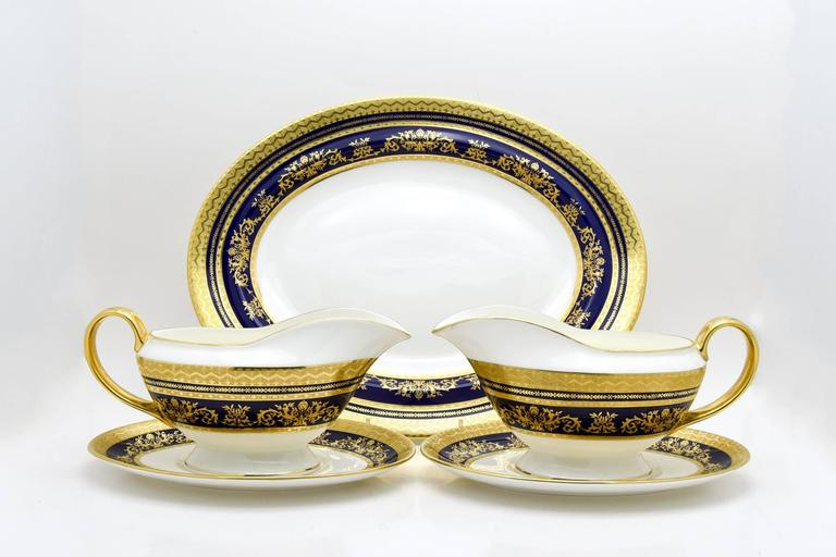 English Minton Extensive Pristine Dinner Service Cobalt Blue and Gold 232 Pieces For Sale