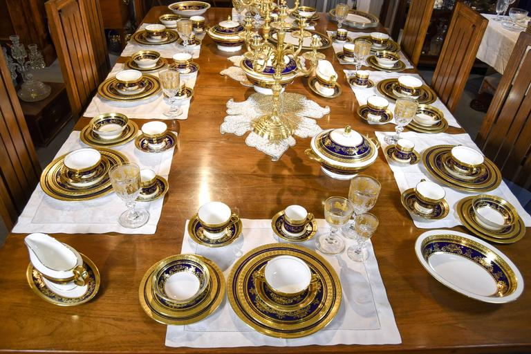 Minton Extensive Pristine Dinner Service Cobalt Blue and Gold 232 Pieces For Sale 2
