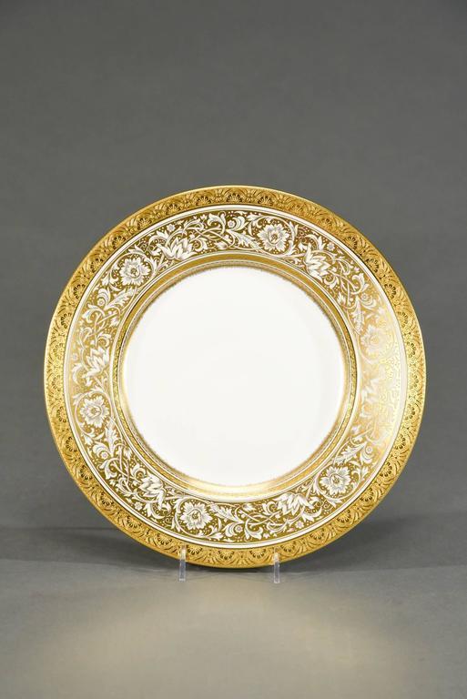English Set of 12 Minton Gold Rimmed Porcelain Ball Dinner Plates For Sale