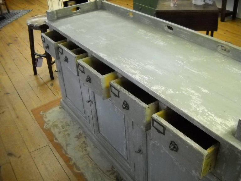 Restaurant Store Counter from the South of France In Excellent Condition For Sale In Sheffield, MA