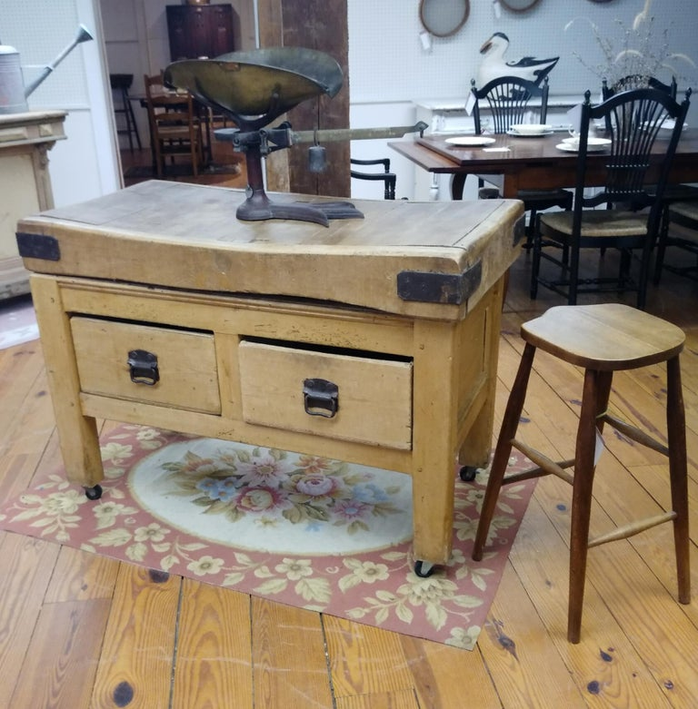 Original English Butcher Block with Two Drawers In Distressed Condition For Sale In Sheffield, MA