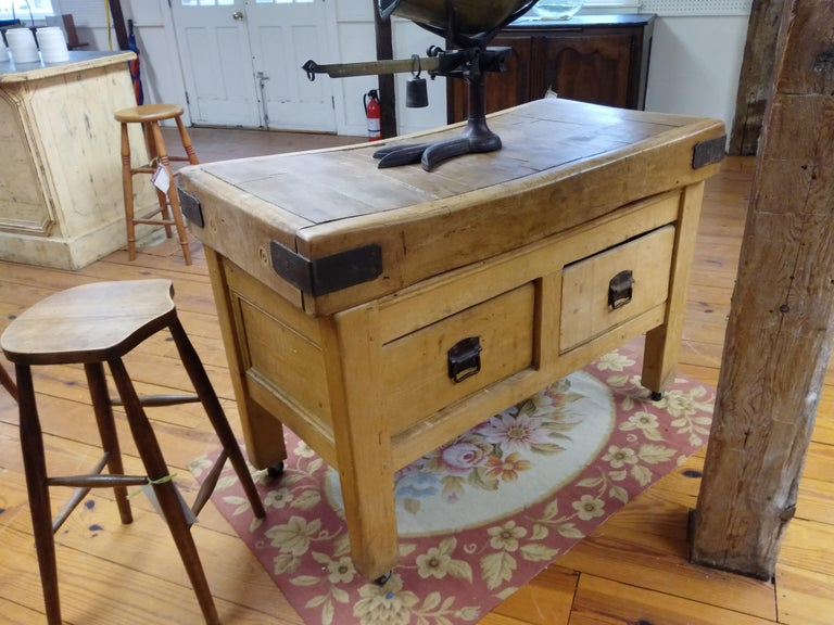 Original English Butcher Block with Two Drawers For Sale 2