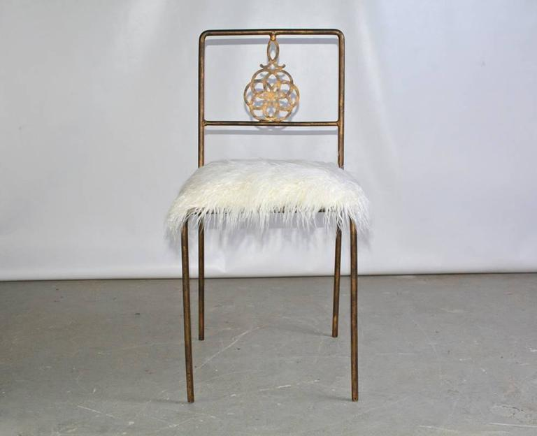 Gentil The Vintage Wrought Iron Desk Or Vanity Chair With A Rubbed Gilt Finish Has  A Medallion