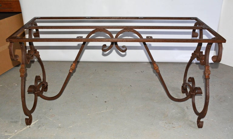 French Inspired Metal Base Oval Dining Table In Excellent Condition For Sale In Great Barrington, MA