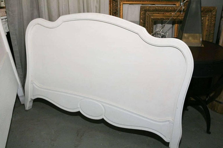 French Louis XV Rococo Style Painted Bed In Good Condition For Sale In Great Barrington, MA