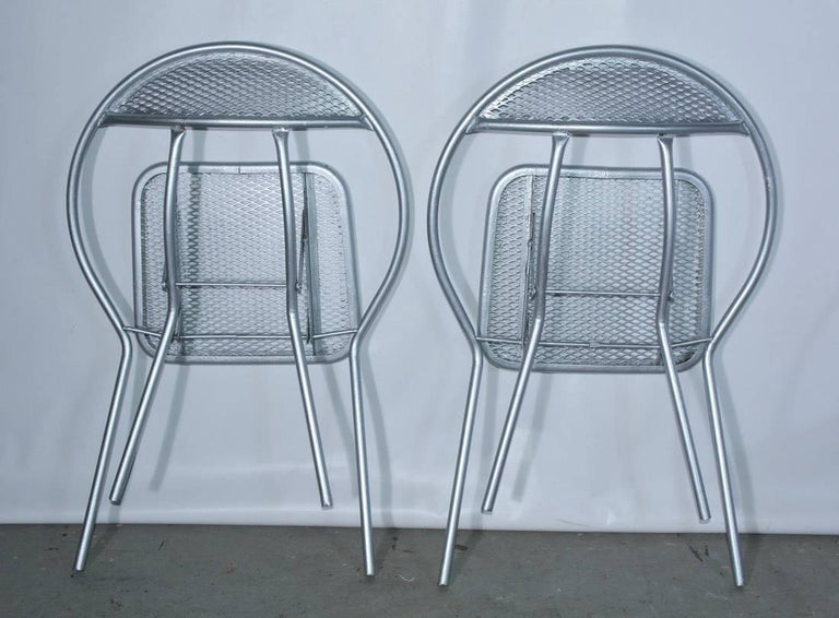 Salterini Mid-Century Modern Folding Metal Patio or Garden Table and Four Chairs For Sale 3