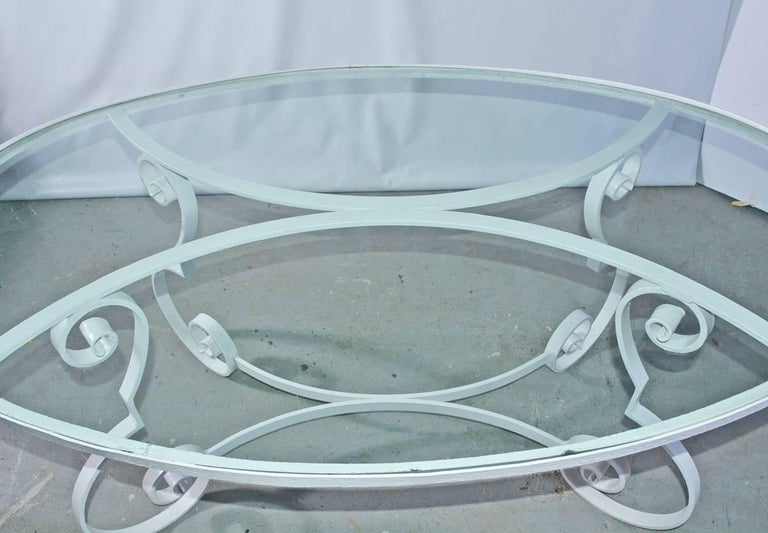 Oval Metal and Glass Midcentury Patio/Porch Garden Table and Four Dining Chairs In Fair Condition For Sale In Great Barrington, MA