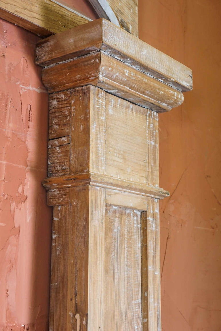 Federal Period Transom and Pilasters In Good Condition For Sale In Great Barrington, MA