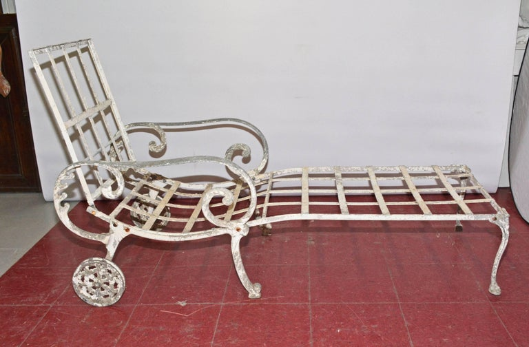 Other Vintage Salterini Style Outdoor Chaise Longue For Sale