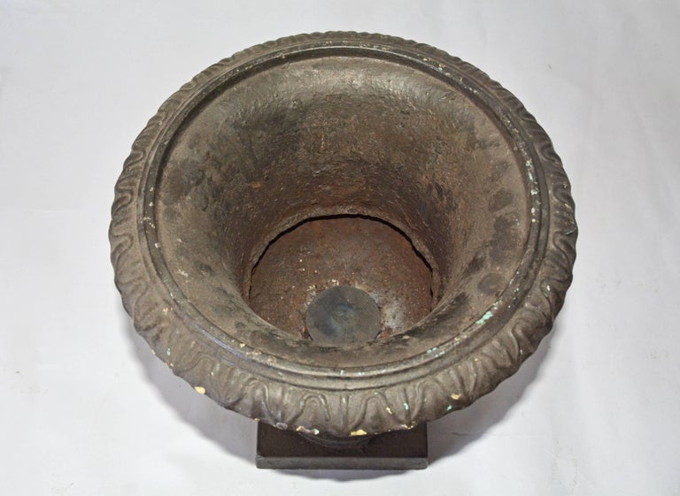 Antique Cast Iron Garden Urn In Good Condition For Sale In Great Barrington, MA