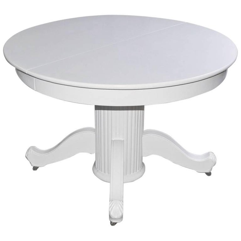 Victorian Round Pedestal Dining Table For Sale