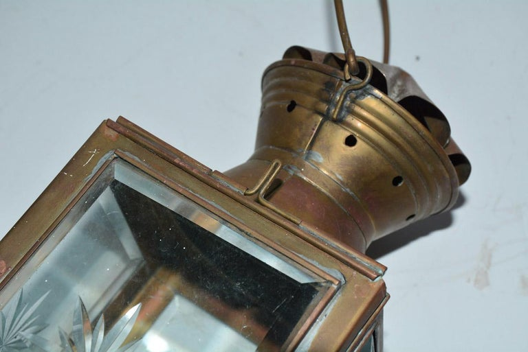 19th Century Pair of Antique Star Pattern Cut Glass Carriage Light Wall Sconces For Sale