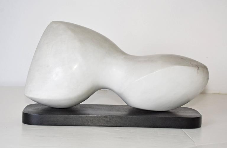 Unknown Contemporary White Veined Marble Sculpture on Black Base For Sale
