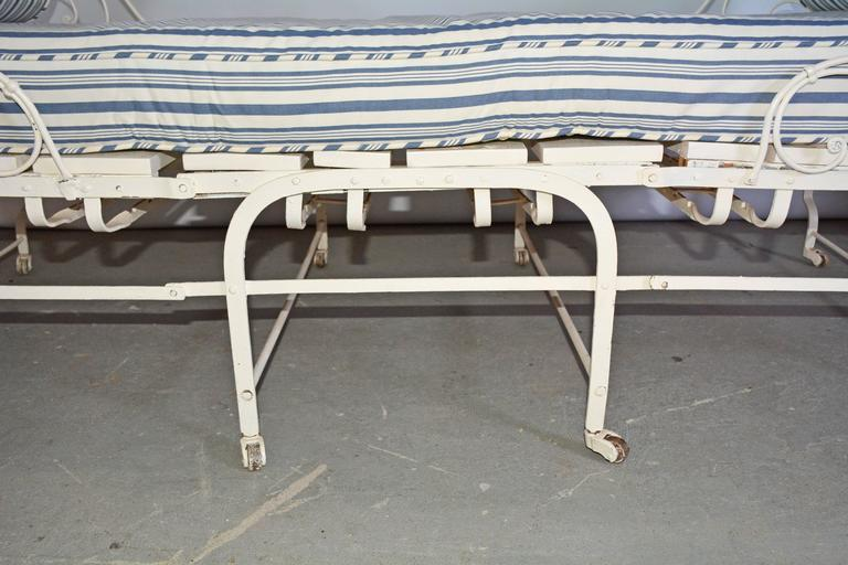 Unusual 19th Century French Center Folding Daybed In Good Condition For Sale In Great Barrington, MA