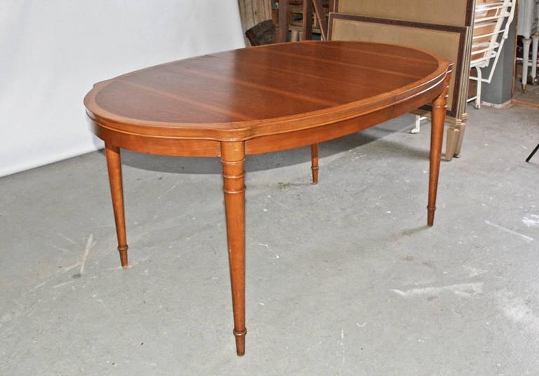 Vintage drexel two tone oval dining table with leaves at for 2 tone dining room tables