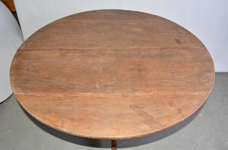 Country Antique Round Pedestal Tripod Dining Table For Sale
