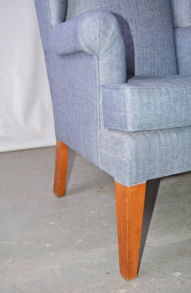 Cotton Mid-Century Modern Wingback Chair For Sale
