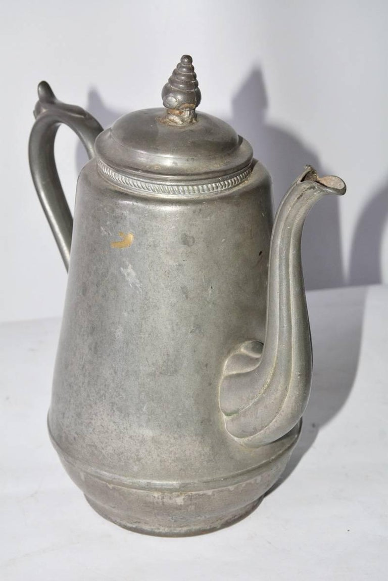 Antique Pewter Coffee Pot In Fair Condition For Sale In Great Barrington, MA