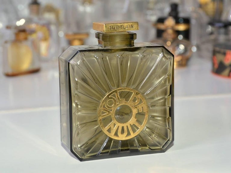Collection of Vintage Perfume Bottles For Sale 3