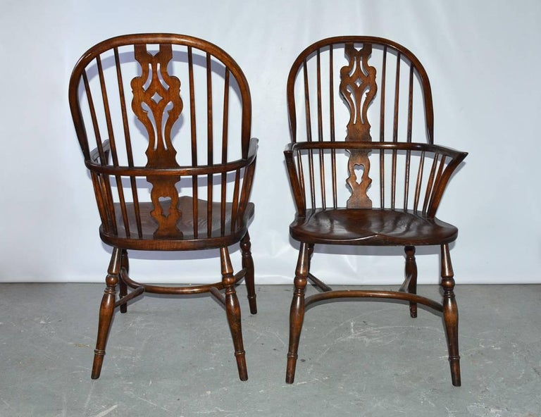 20th Century Set of Eight Georgian Style Windsor Dining Chairs For Sale