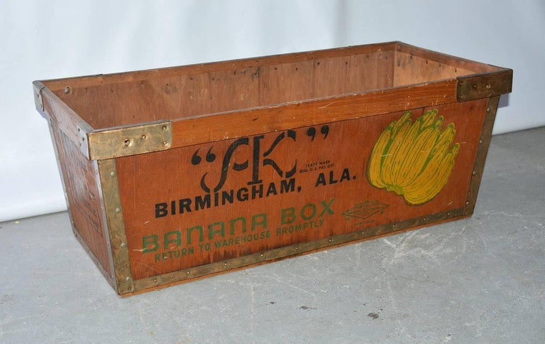 Vintage American banana crate from Alabama.