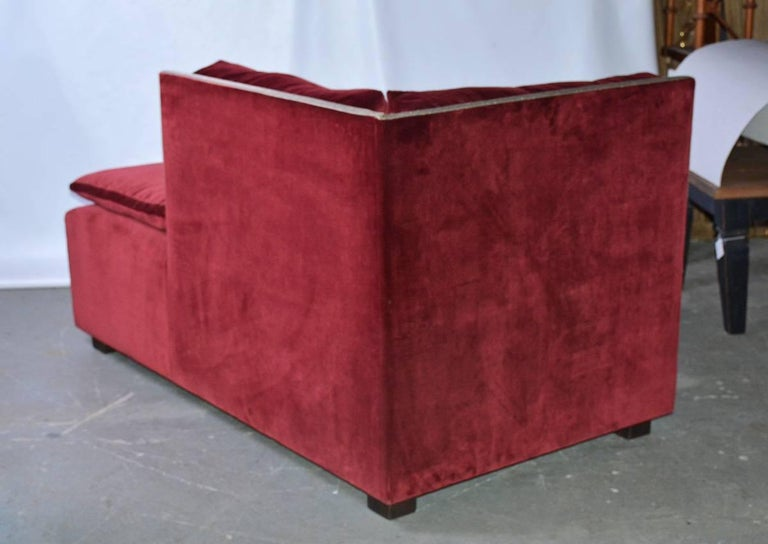 Machine-Made Contemporary Velvet-Covered Chaise Longue For Sale