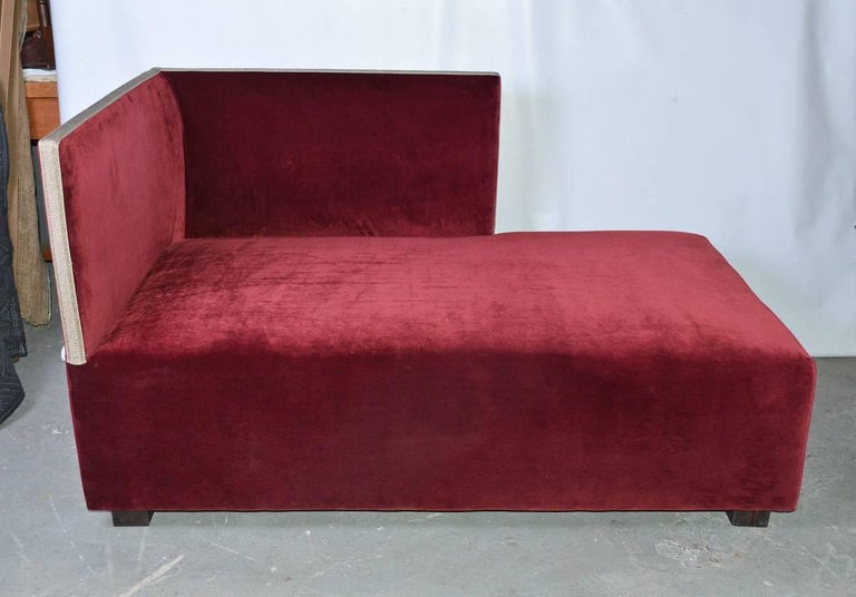 Contemporary Velvet-Covered Chaise Longue In Good Condition For Sale In Great Barrington, MA