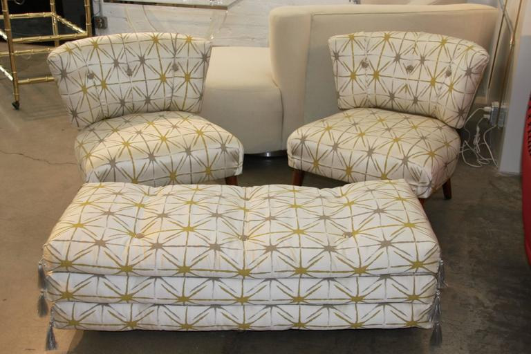 Awe Inspiring Pair Of Kroehler Chairs And Matching Ottoman At 1Stdibs Machost Co Dining Chair Design Ideas Machostcouk