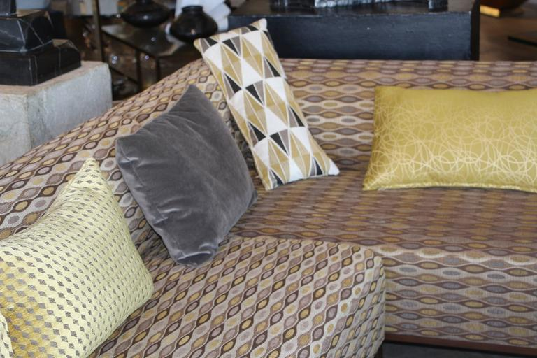 20th Century Nice Sectional Sofa in a Nice Fabric For Sale